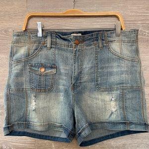 Pants - Plus size denim shorts